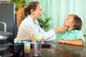 признаки гипертиреоза у детей
