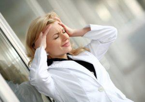 медсестра в стрессе
