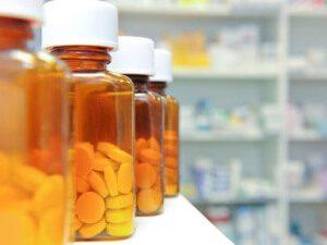 таблетки в баночках